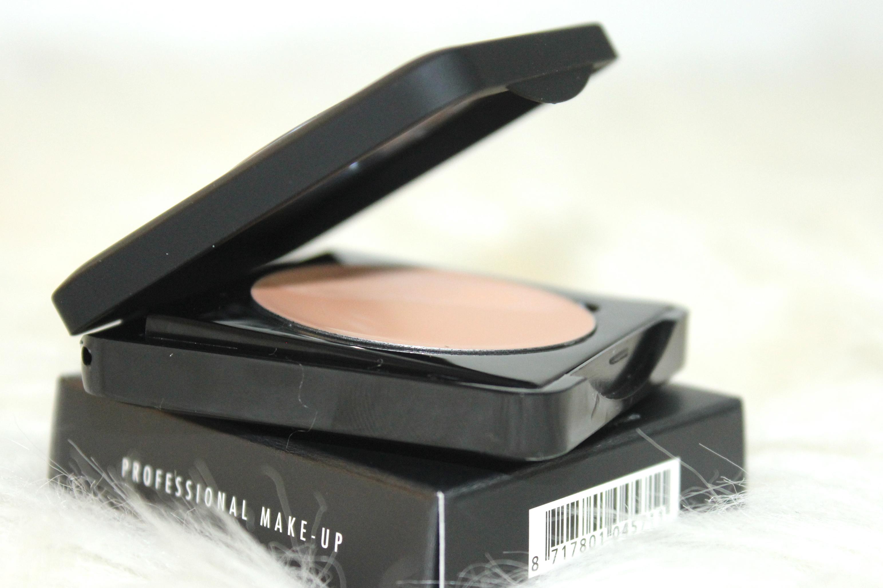 Make-up Studieo eye primer review 7