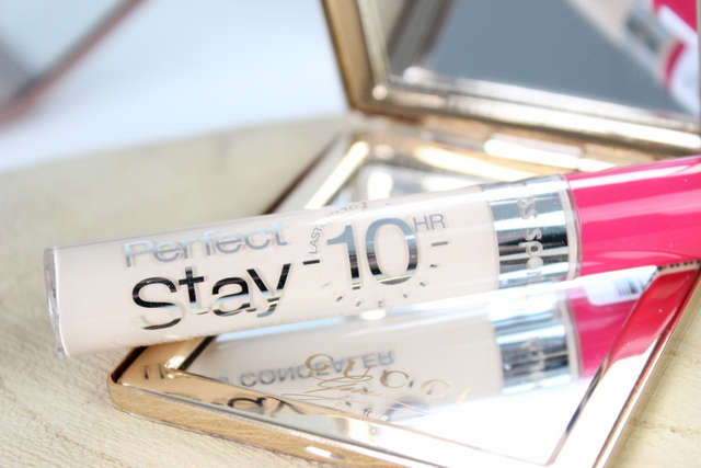 Miss Sporty Stay Perfect Liquid concealer 001 light review 2