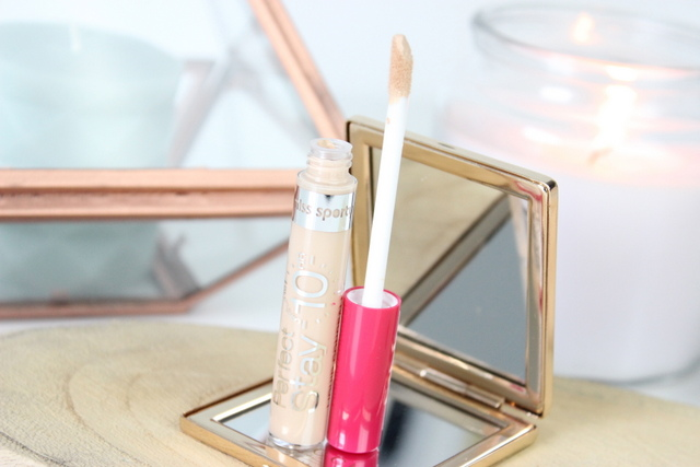 Miss Sporty Stay Perfect Liquid concealer 001 light review 4