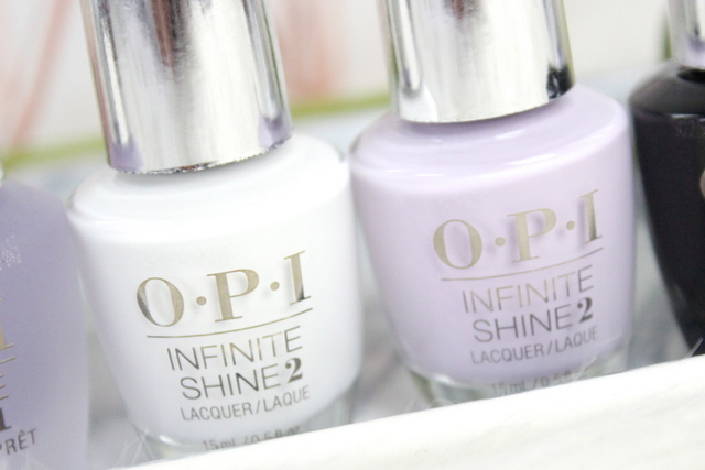 OPI Infinite Shine nagellak review Non-Stop White en Lavendurable 3