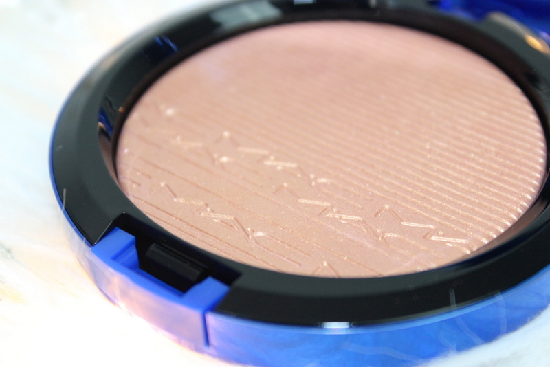MAC Magic of the night Shaft of gold Extra dimension skinfinish review 3