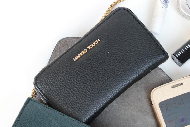 What's in my Furla bag? 4