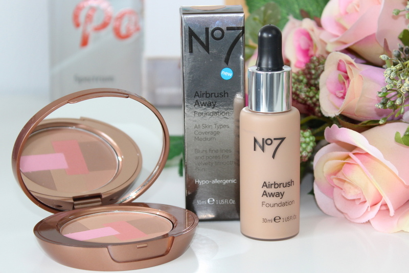 No7 Airbrush Away foundation en Perfectly Bonzed Mosaic Bronzer review 1
