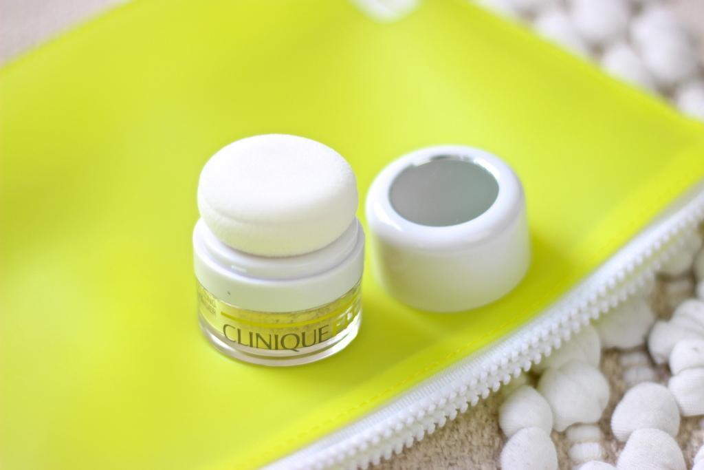 Clinique CliniqueFit Post-Workout Neutralizing Face Powder