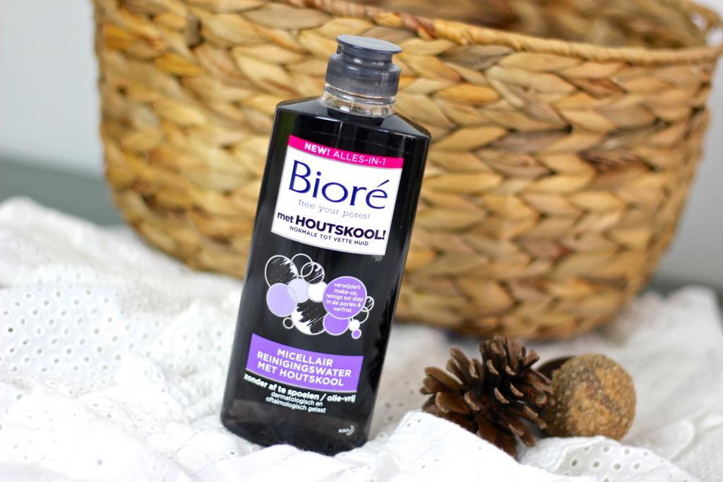 Bioré Micellair reinigingswater met houtskool review