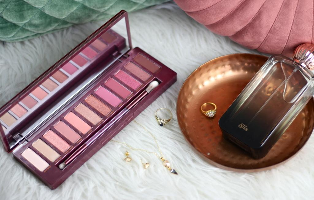 Urban Decay Naked Cherry eyeshadow palette review