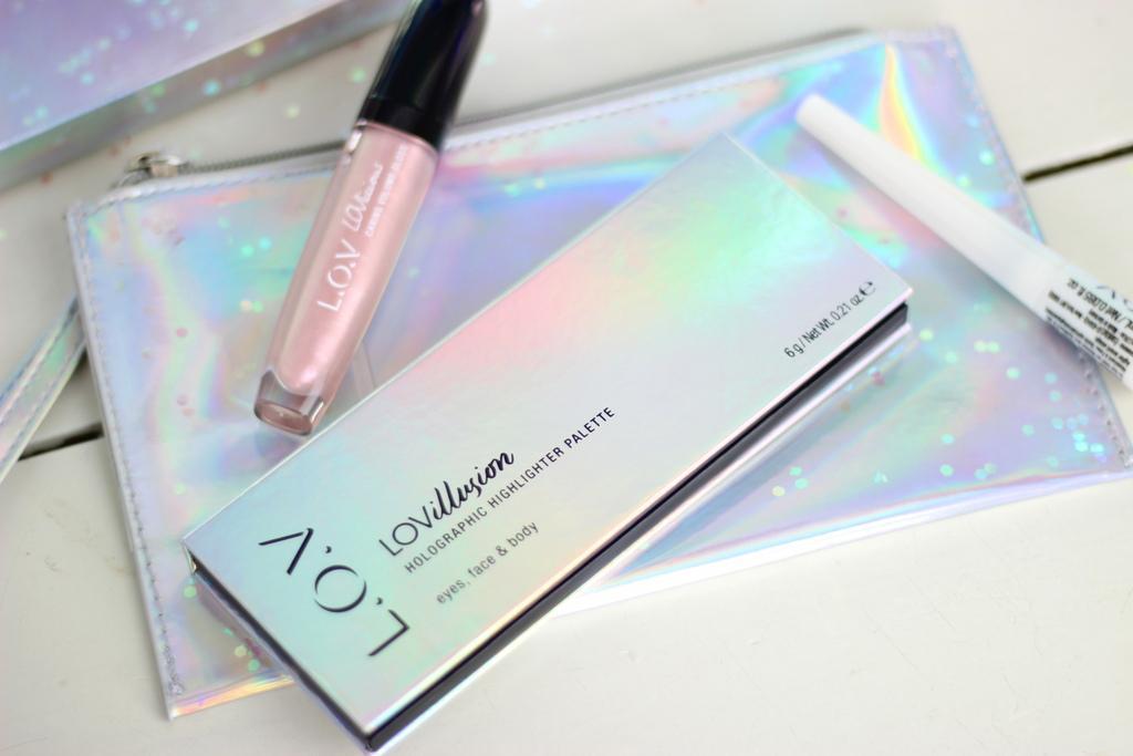 LOVillusion Holographic Highlighter palette